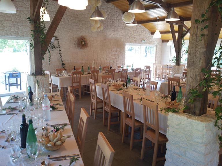 location salle mariage 17200
